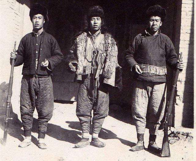 汉中洋县方言里的舔勾将、充包和棒客分别指是啥?