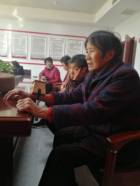 台前县民政局:重阳节免费艾灸进南孟社区,贴心服务暖人心