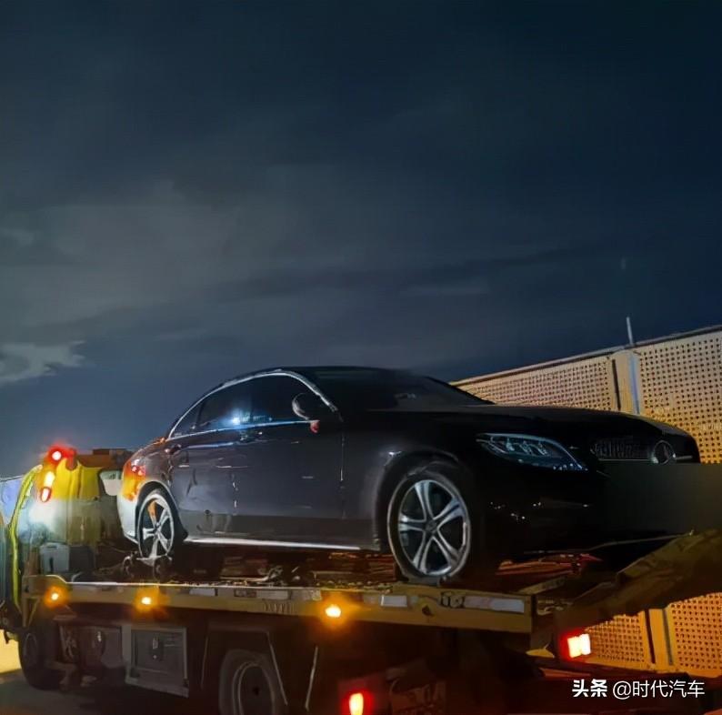 新买的奔驰车频繁发生故障,4S:该故障比较罕见
