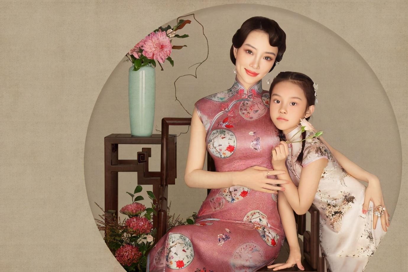李小璐晒女儿古装写真庆生,甜馨化身古风小美女,越长越像妈妈