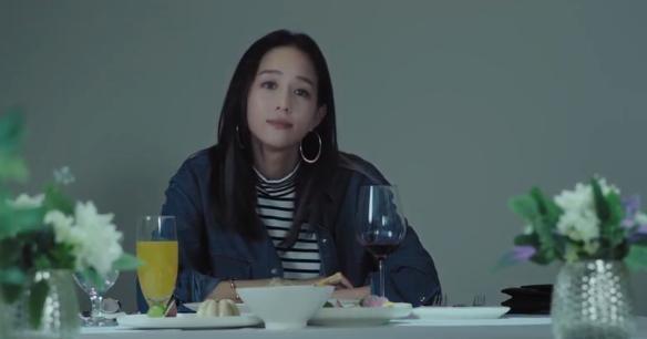 不说再见:穆青被欧可欣亲后,嫌弃擦脸,剧情细节处理很到位