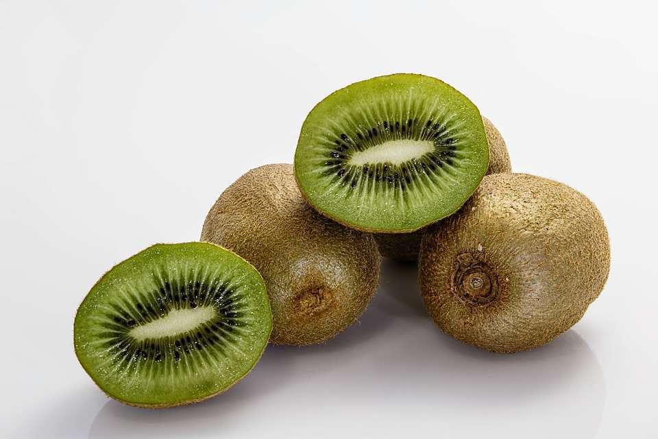 眼睛干涩,身体乏力,可能是肝脏不好的表现,6种食物可帮您养肝