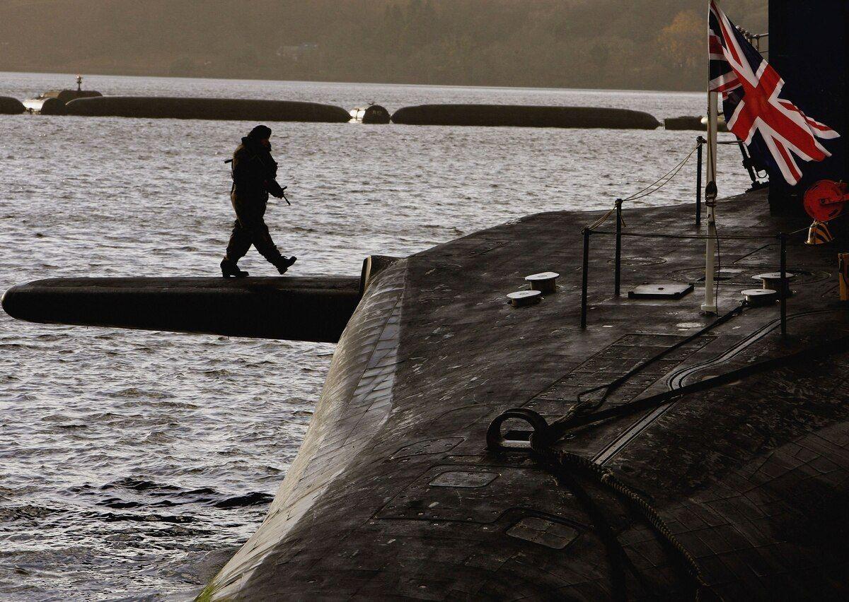 英国海军战略核潜艇竟被醉鬼控制,战略导弹差点再次飞向美国?