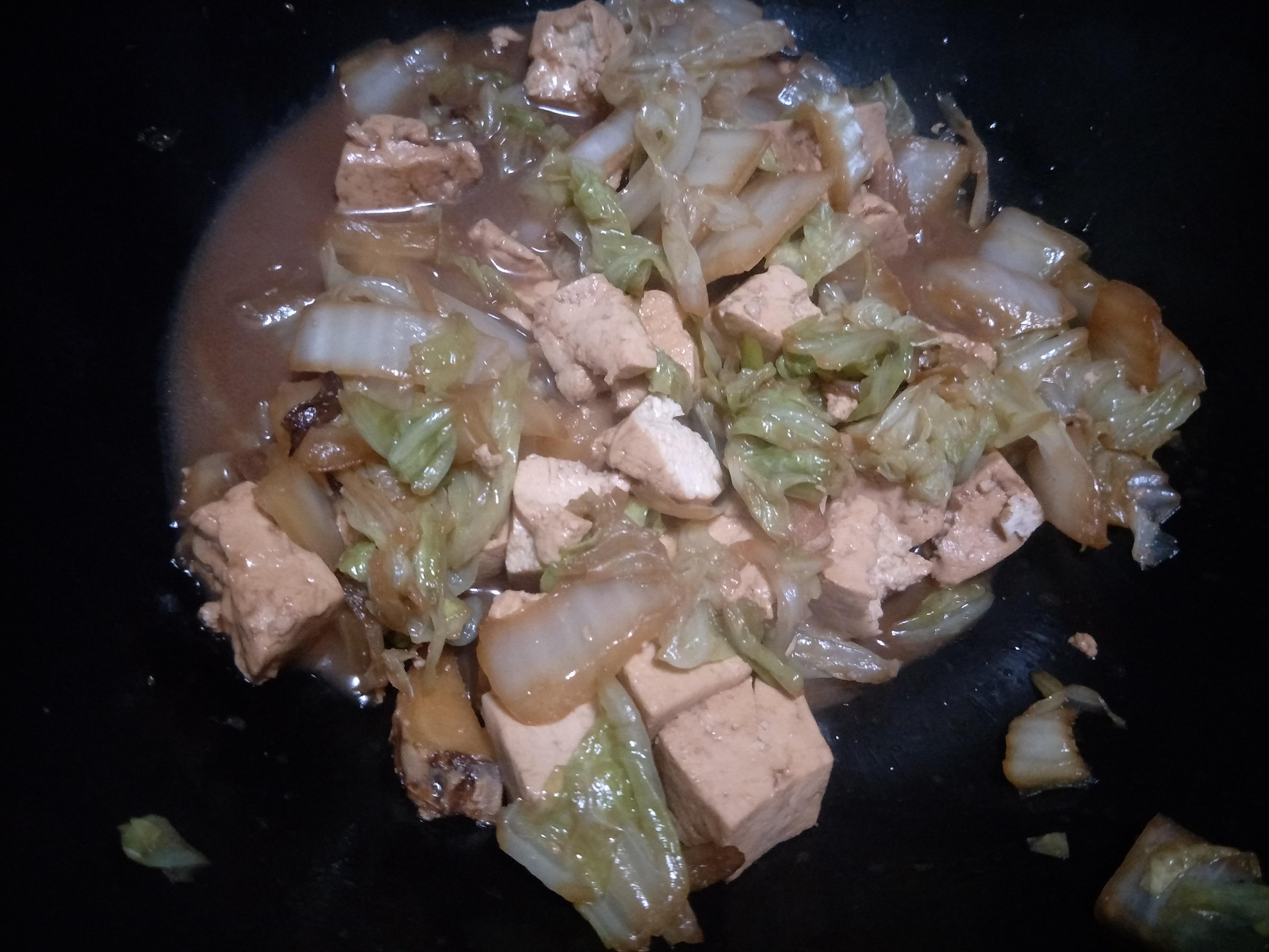 """白菜炖豆腐时,选食材牢记""""1色2味"""",白菜更软嫩,豆腐不易碎"""