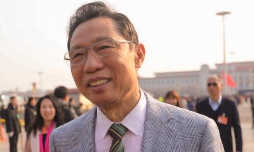钟南山哽咽:什么都压不倒中国人!14亿人万众一心,向阳而生