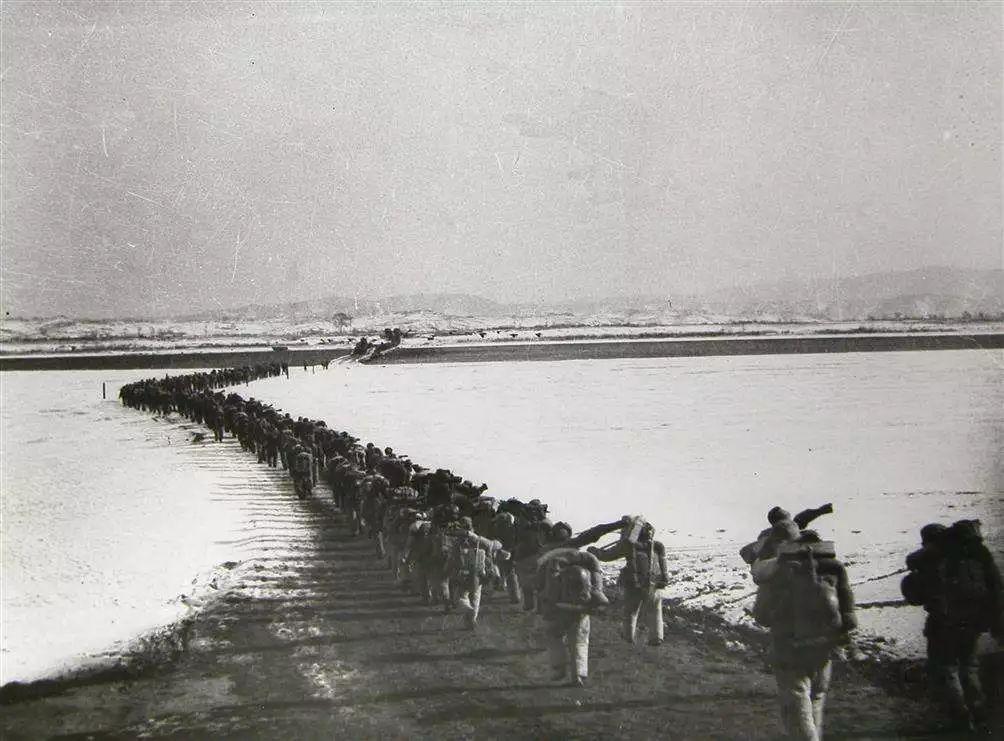 26万志愿军横渡鸭绿江,美军飞机为何发现不了?5大原因躲过侦察