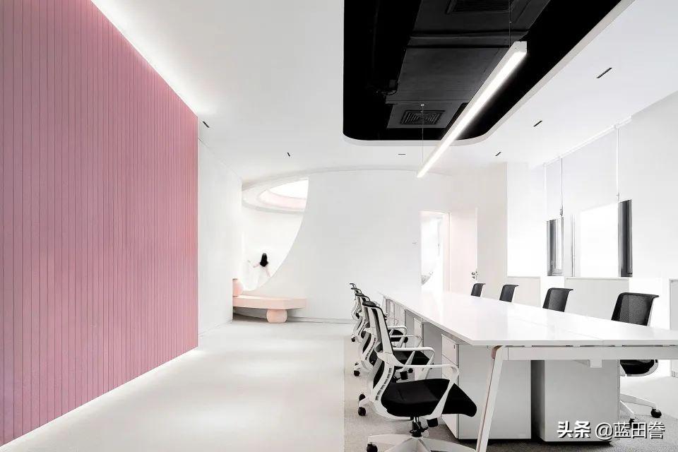 丽联家具分享:梦幻又艺术的新型办公室——实用与美感并存