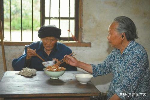 农村诡异事情经常出现,老人讲的两个真实故事非常离奇