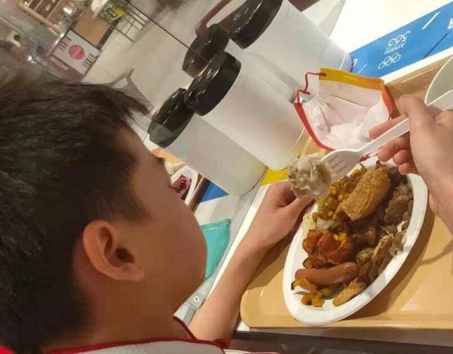 全红婵8个月长高5厘米!爱吃零食和肉,何威仪:需要严苛控制体重