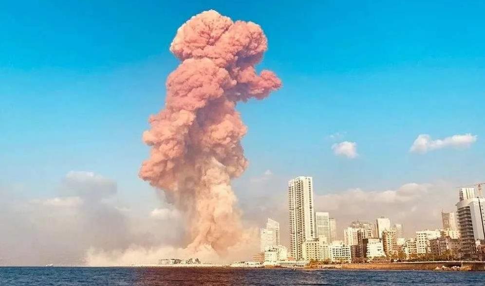 黎巴嫩爆炸30天后,废墟中传出微弱信号,发现心跳或有奇迹发生