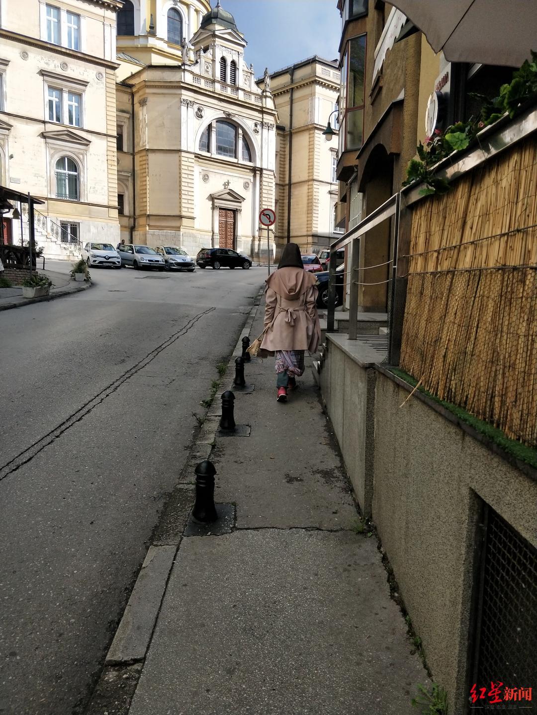 塞尔维亚失联的成都女子在波黑与父亲相见 家属:希望特事特办让女儿尽早回国