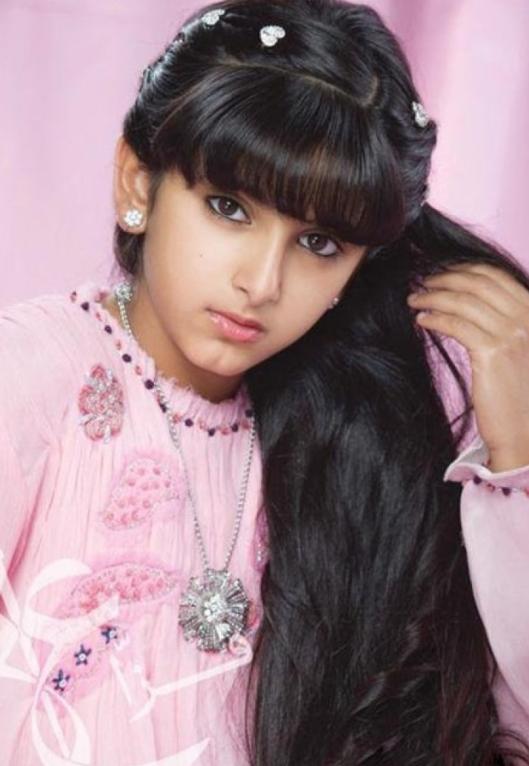"""""""迪拜最美公主""""萨拉玛:6岁靠颜值火遍全网,却被迫嫁给大叔"""