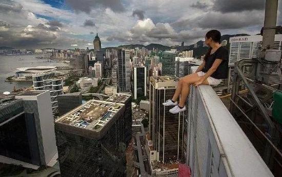为什么有些人会恐高?是心理问题还是生理反应
