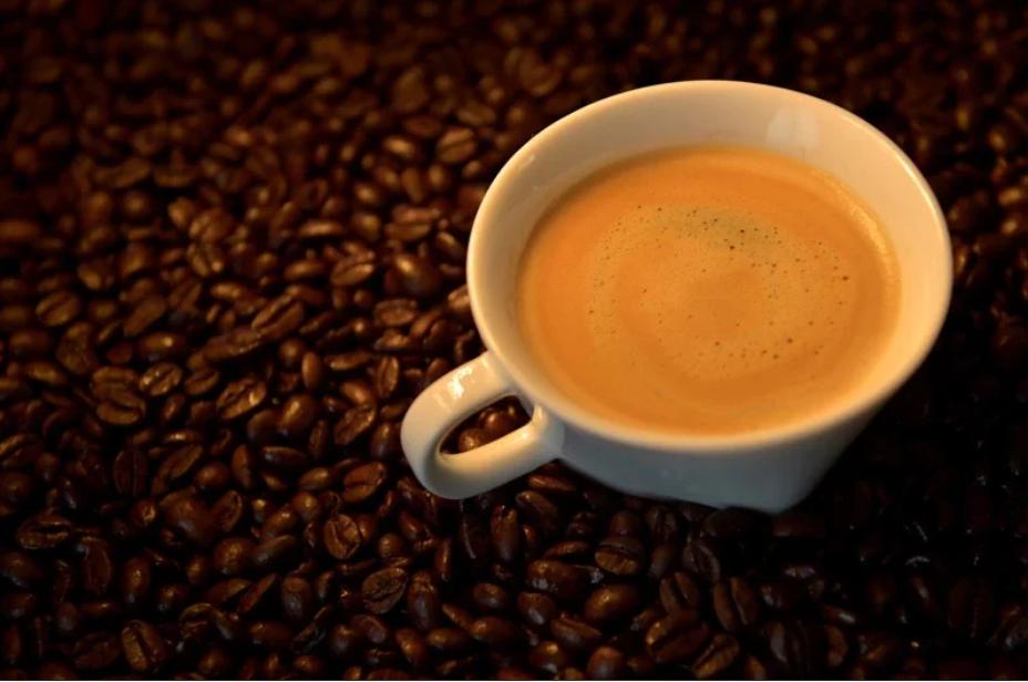 希望同事犯困出错被开,意大利女子在其咖啡下药,犯案长达9个月