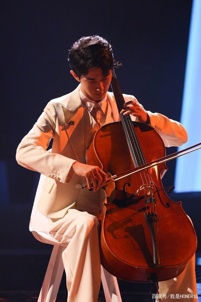 """于朦胧化身""""人间洗洁精"""",大提琴唱歌样样精通,这是心动的感觉"""