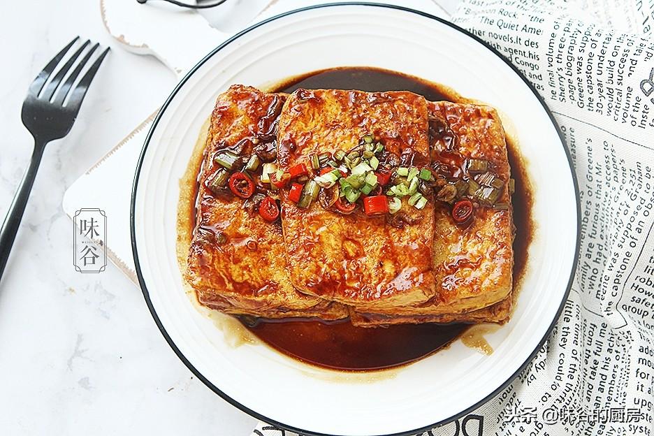 一块豆腐加两个鸡蛋,做成了经典鲁菜,比吃肉还下饭,做法特简单