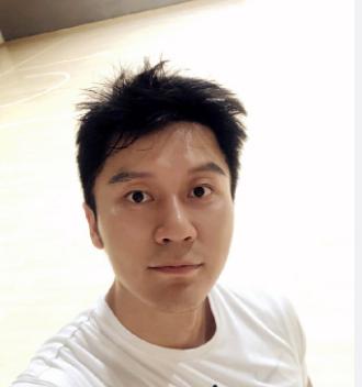 网曝李晨与友人聚餐,热聊话别又拥抱,网友:还我大黑牛