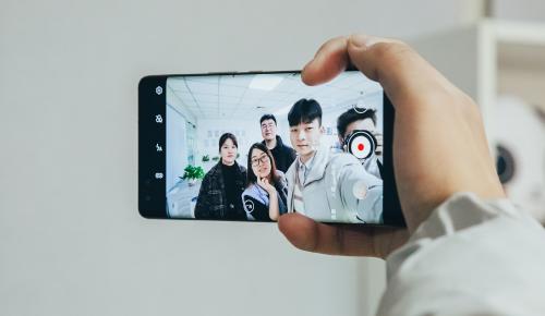 年轻人的Vlog神器 华为nova8系列今日首销