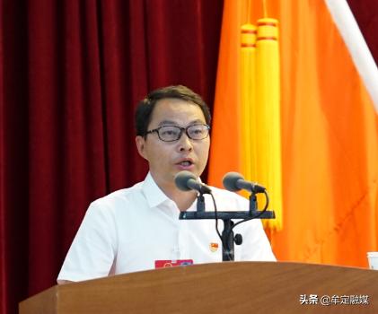 快讯|李永军当选牟定县人民政府县长 杨馥华当选牟定县监察委员会主任