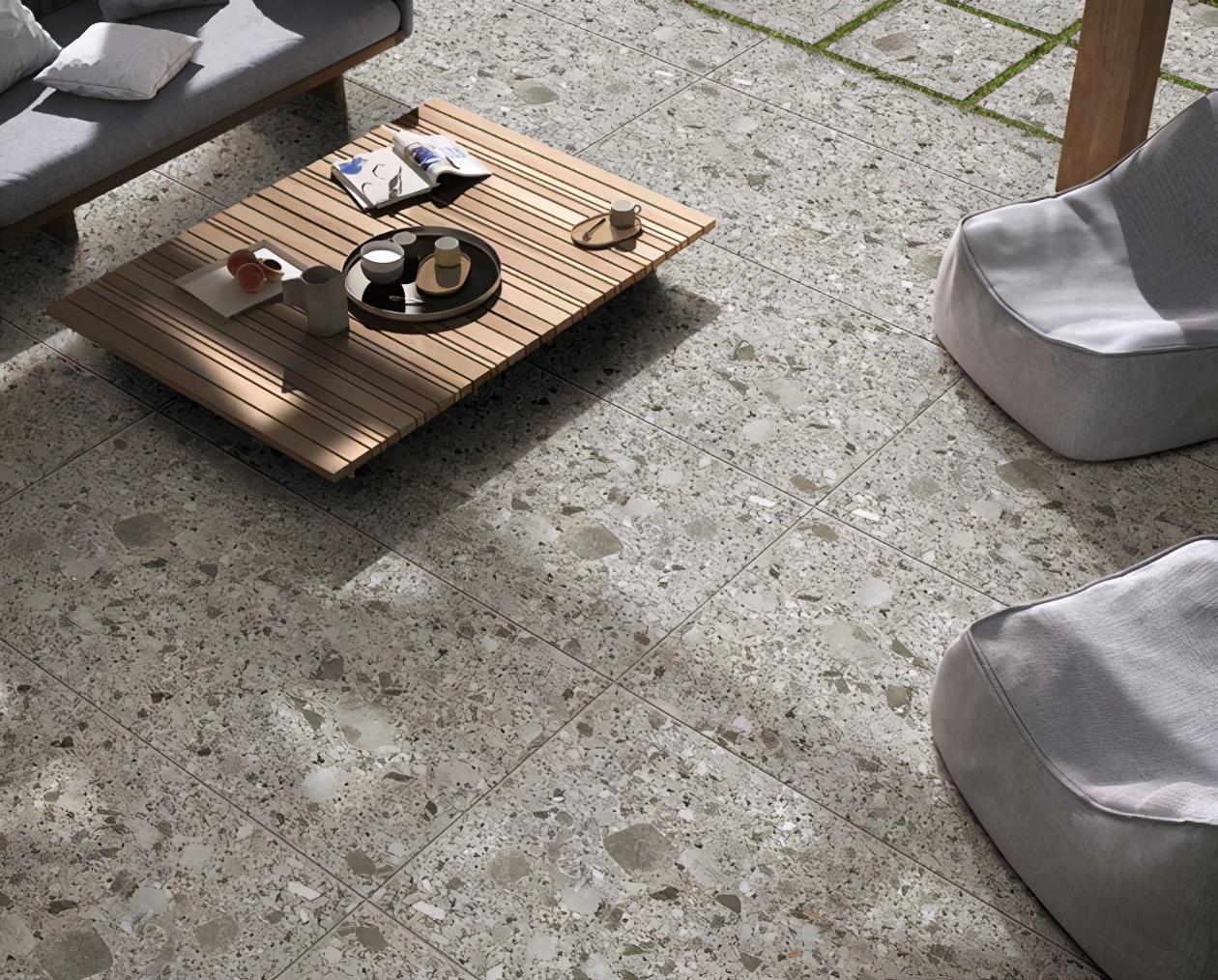 """岩板的""""热浪""""下,钛金瓷板、木纹砖、水磨石竟吸睛无数"""