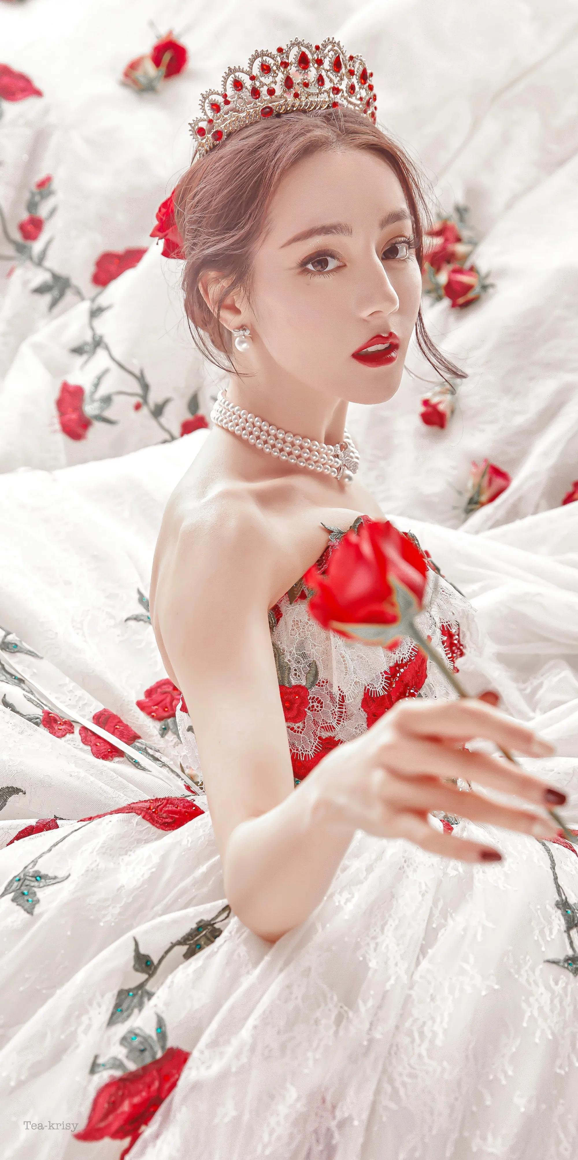 迪丽热巴的美貌绝了
