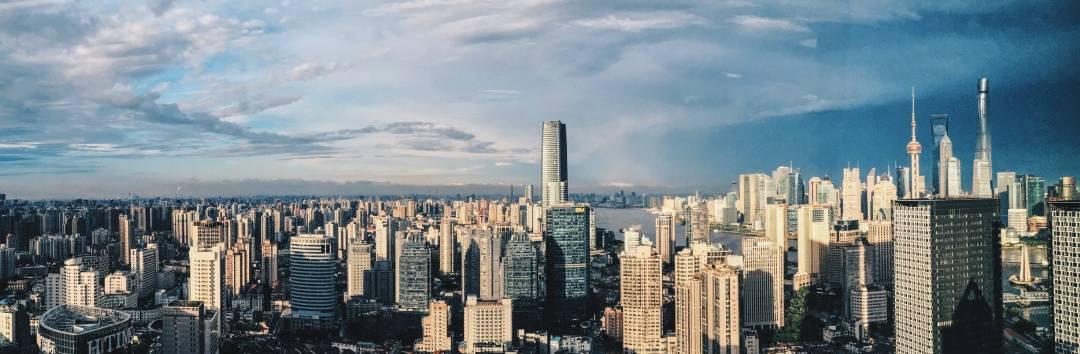 深圳不学香港改学新加坡,这事挺玄的