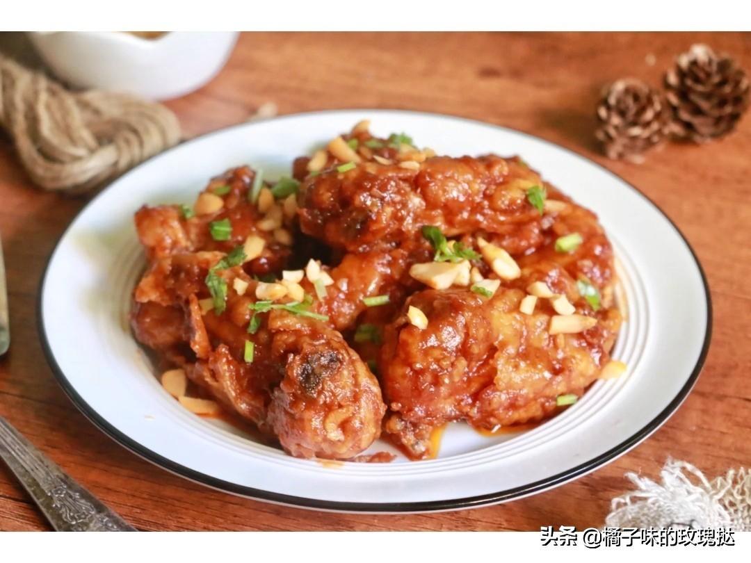 年夜饭限定推荐:花生蜜汁鸡翅,蒜香鸡腿煲,土豆胡萝卜烧鸡翅