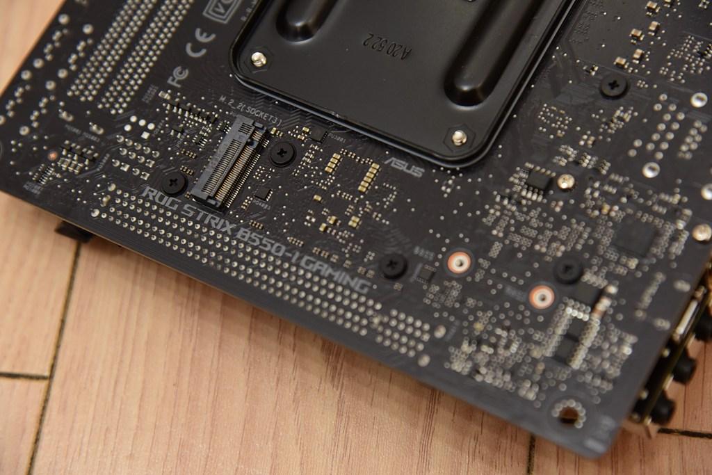 618装一台最帅的ITX主机!6.5L小钢炮打败全国98%电脑
