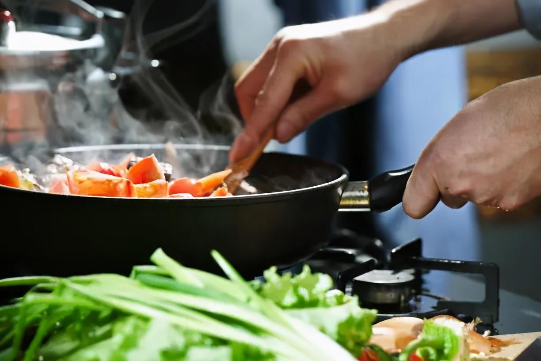 """很多疾病都是""""吃出来的""""!防治心血管疾病,用好四张""""饮食处方"""",把它""""吃回去""""~"""