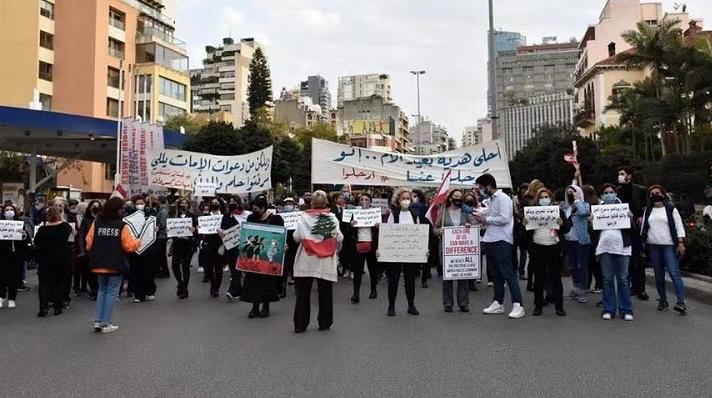 黎巴嫩货币严重贬值,公众示威仍在继续