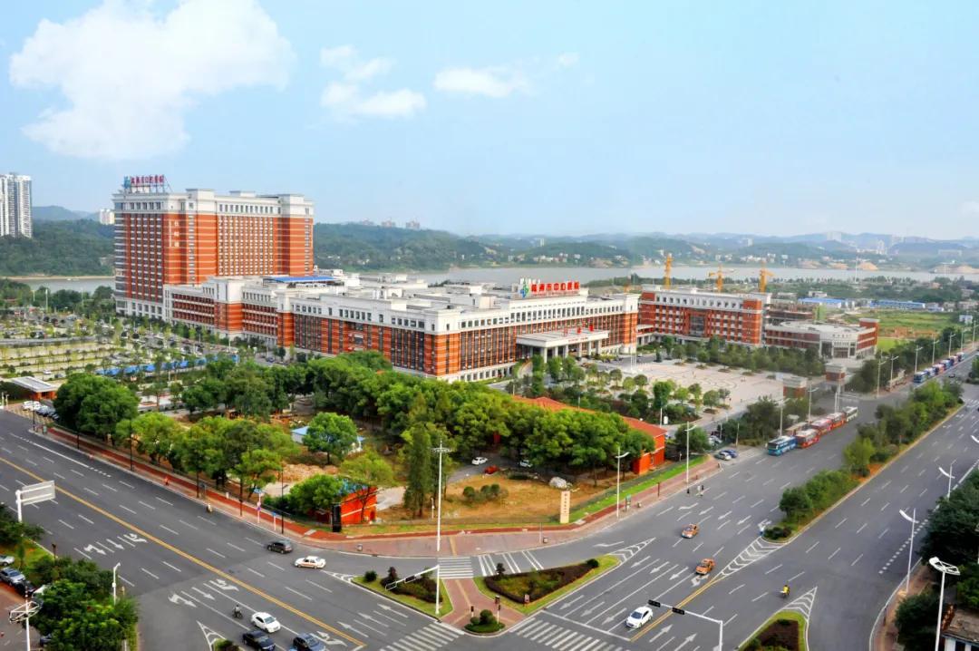 株洲市领导专家团一行赴上海交通大学医学院附属瑞金医院考察学习