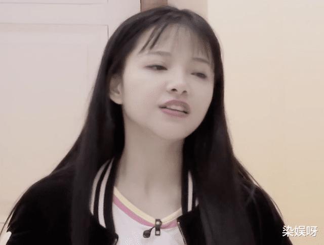 创造营:没化妆便开始训练,姜贞羽暴露真实颜值,刘些宁却很机智