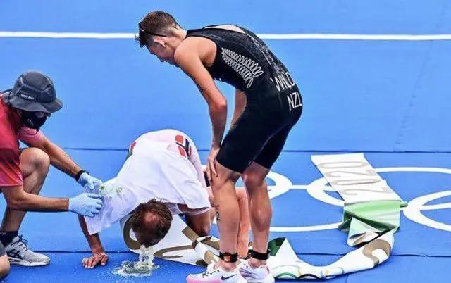 """""""粪水""""中""""粪泳""""前进?选手赛后集体呕吐,我国选手该怎么办?"""