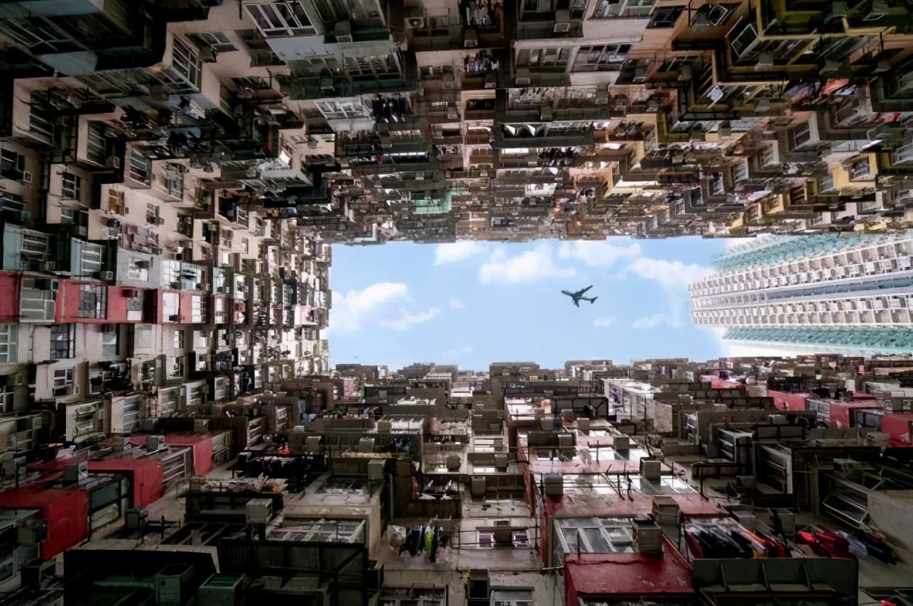 没了内地游客加持,香港遇46年最大经济衰退,全球最贵街道凉凉
