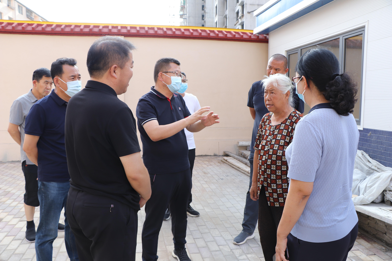 玉泉區委主要領導督導老舊小區改造工作
