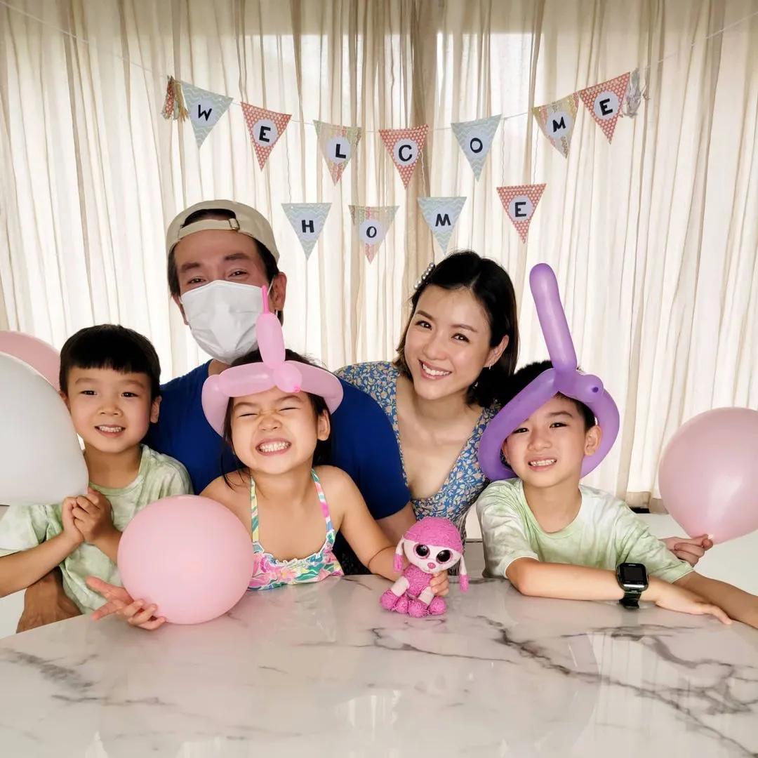 陳豪時隔2月和家人團聚,一家五口歡樂相擁,畫面溫馨有愛超幸福