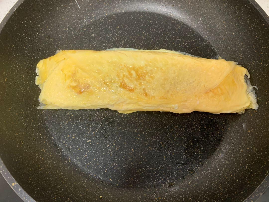 4个鸡蛋,半杯牛奶,教你做奶香浓郁,一口就爆浆厚蛋烧