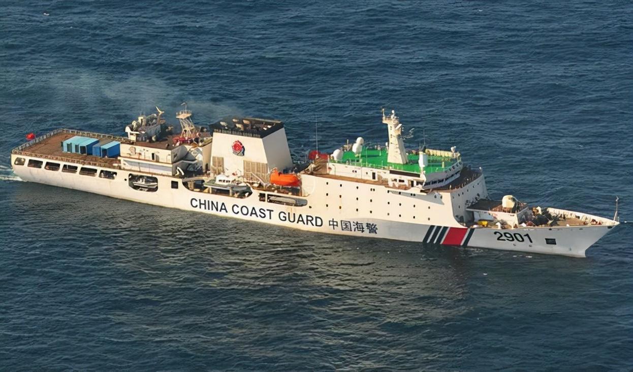 钓鱼岛局势升级!日本发起无端挑衅,中国海警战舰撞上日本巡逻舰尾部
