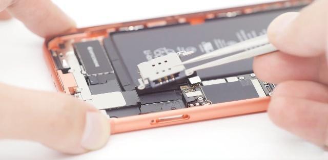 单卡iPhone早已能够改双卡双待 iPhoneXR Max美国版改实体线双卡双待