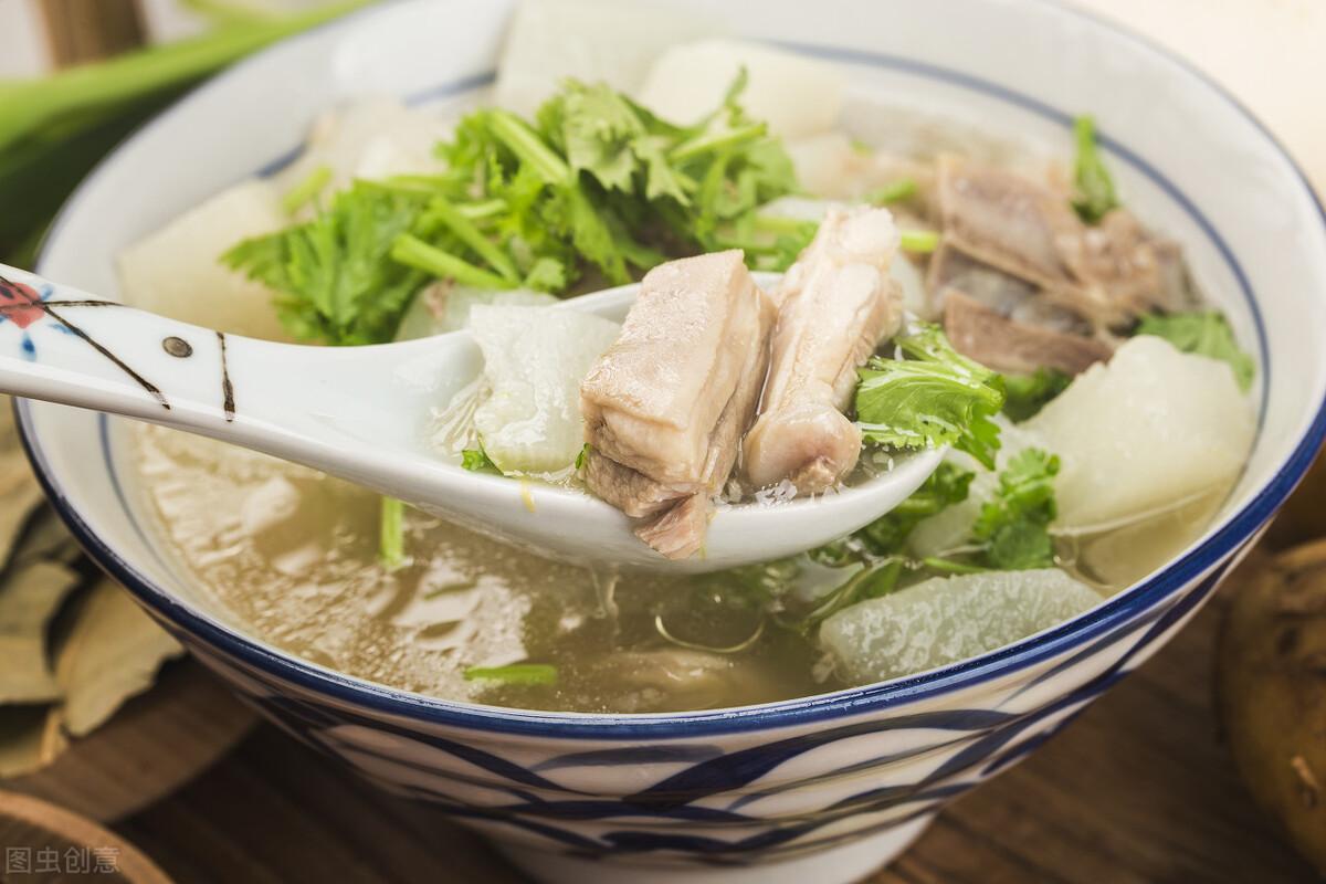 立夏前後要多喝湯,這5道湯水食材簡單,清熱下火,清爽促食慾