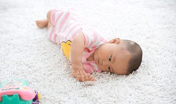 0-1岁的宝宝这么教育,家长日后可以轻松一些了!