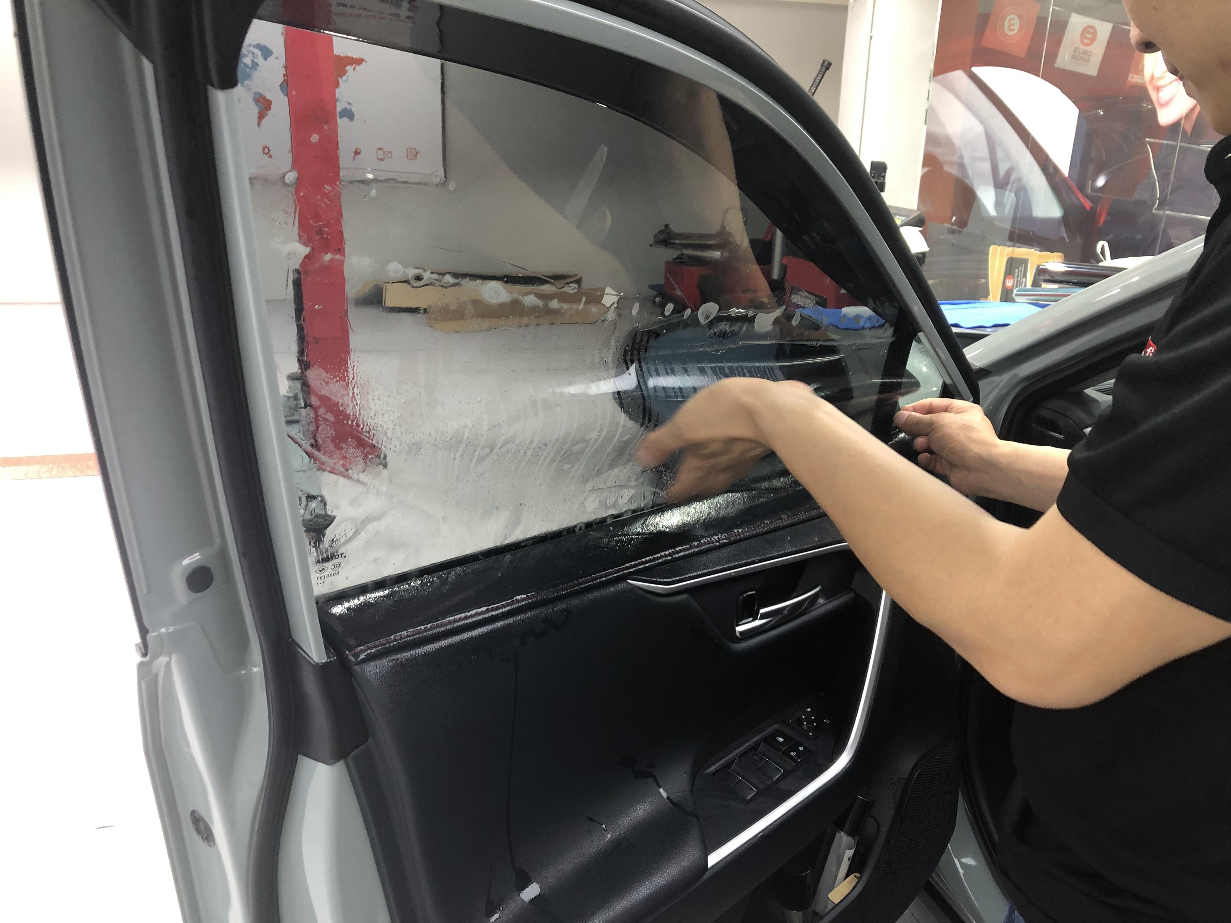 夏季给新车贴膜后多久可以开窗?