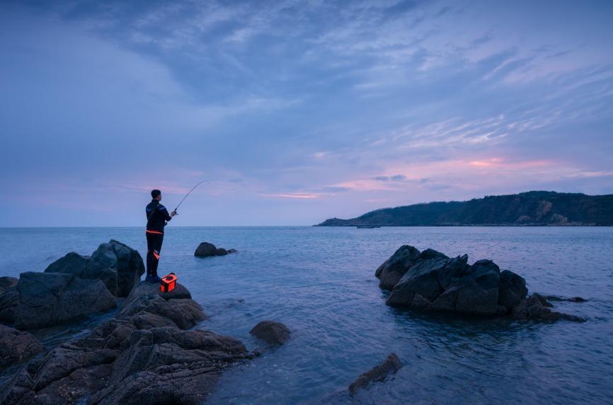 全国2亿人爱钓鱼,产值高达943.18亿元,到底有何魔力?