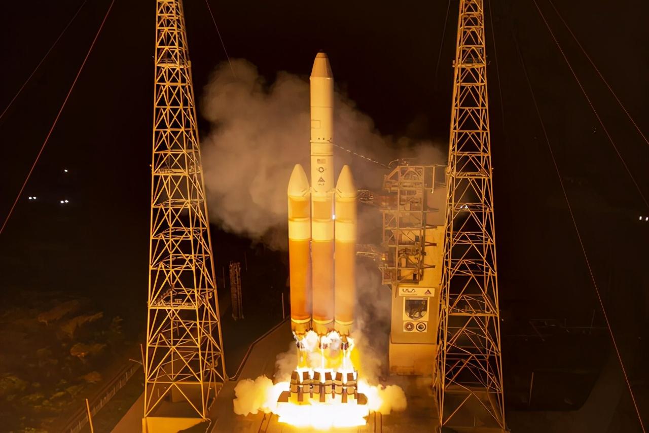 """""""图谋不轨""""?美国秘密发射一枚120亿元绝密卫星"""