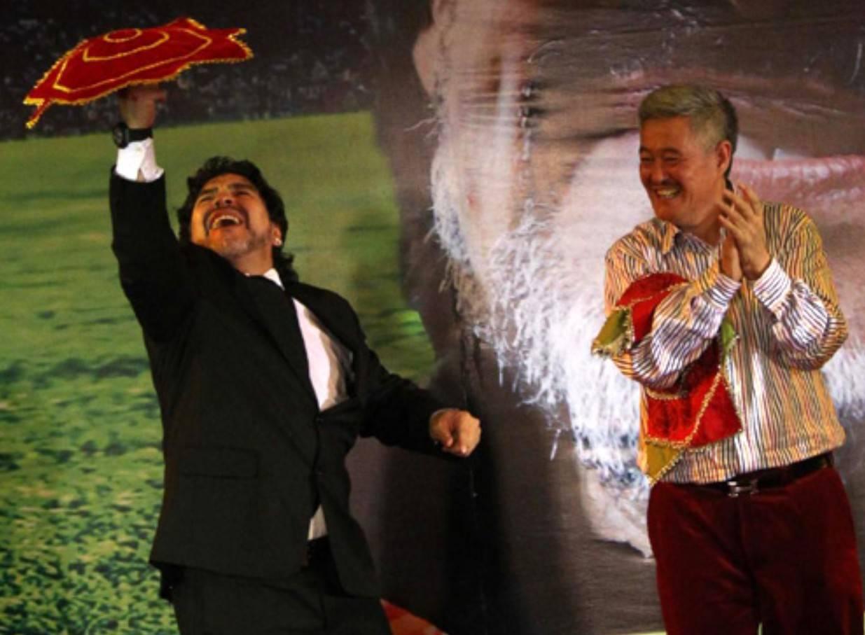 马拉多纳2010年访华:纳闷13亿人的国家,没有高水平国家队