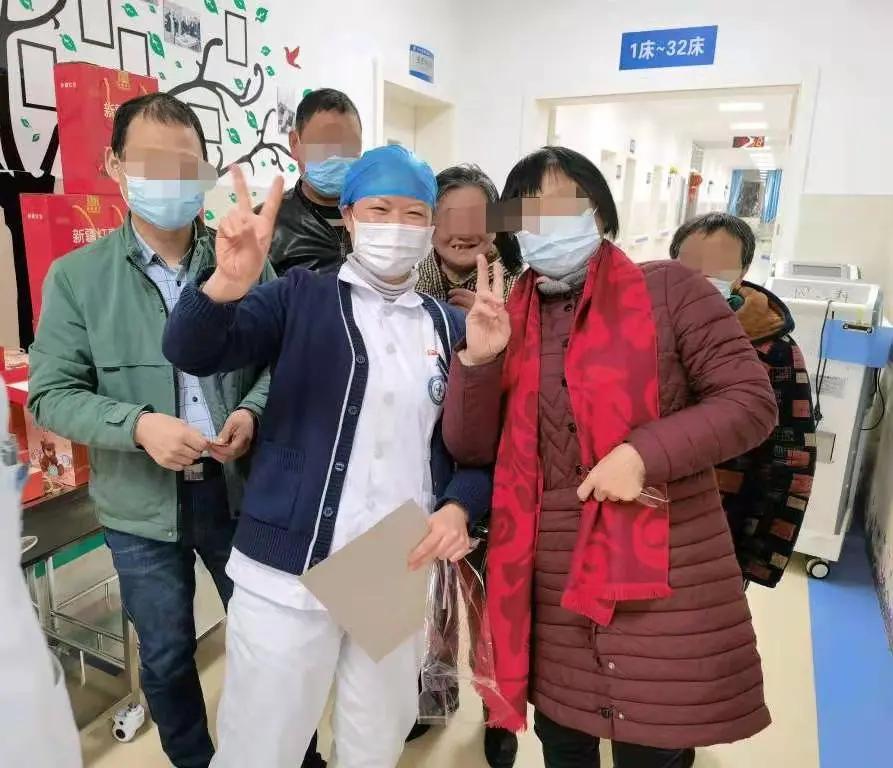 庆佳节 迎新春——病房里的医患同乐