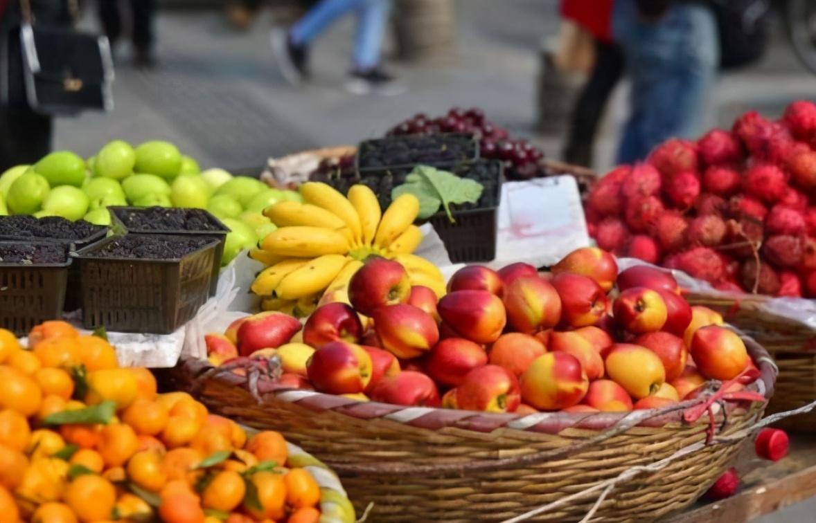 这4种非常难洗的水果 清水洗不干净 为了健康这样洗