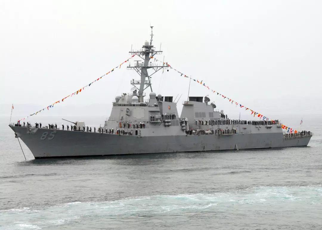警告当耳旁风!美军舰穿航台海当天,东部战区多军种联合突击演练