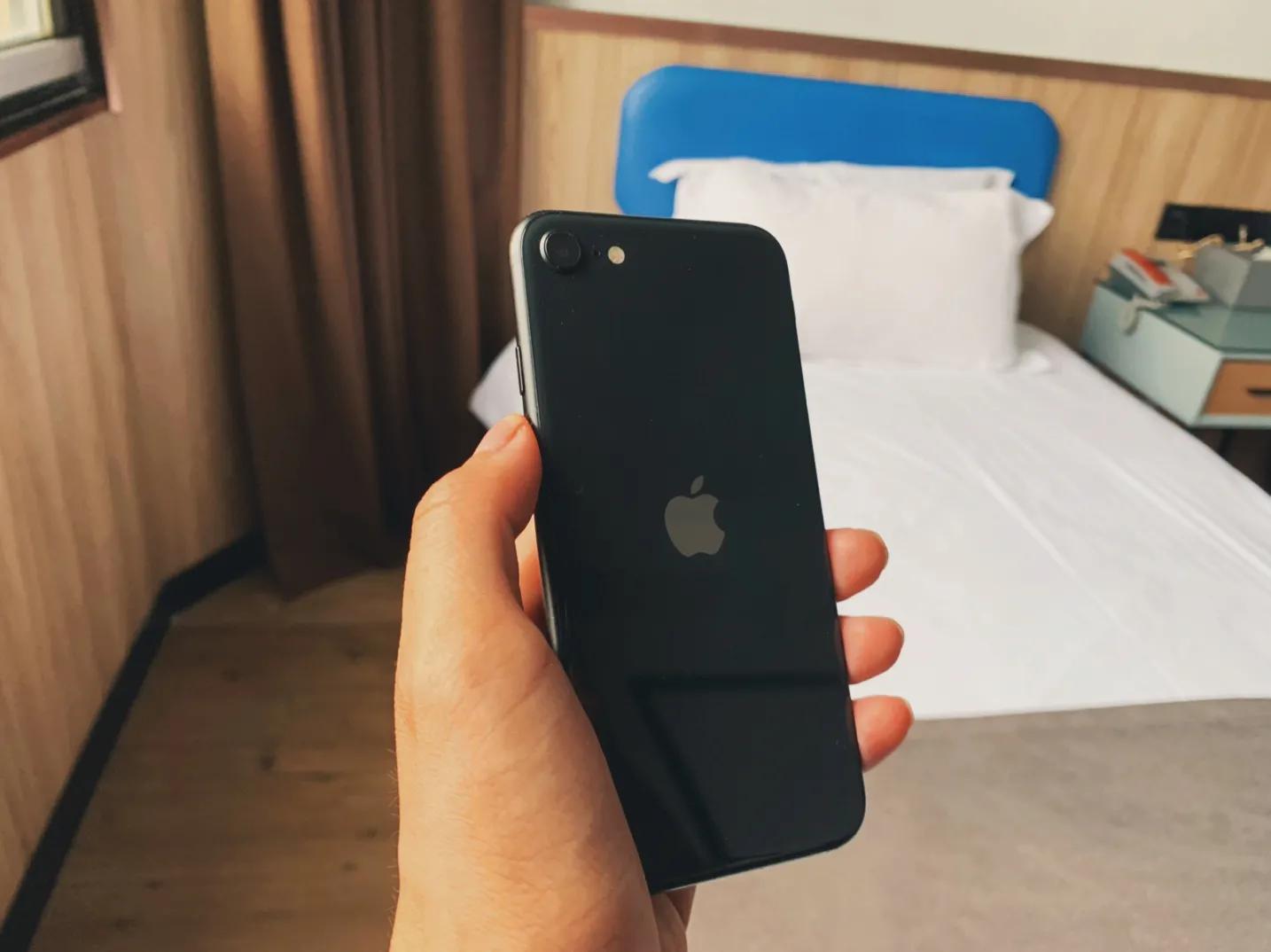 """从3599到2199,性价比""""最高""""的苹果手机降生?"""
