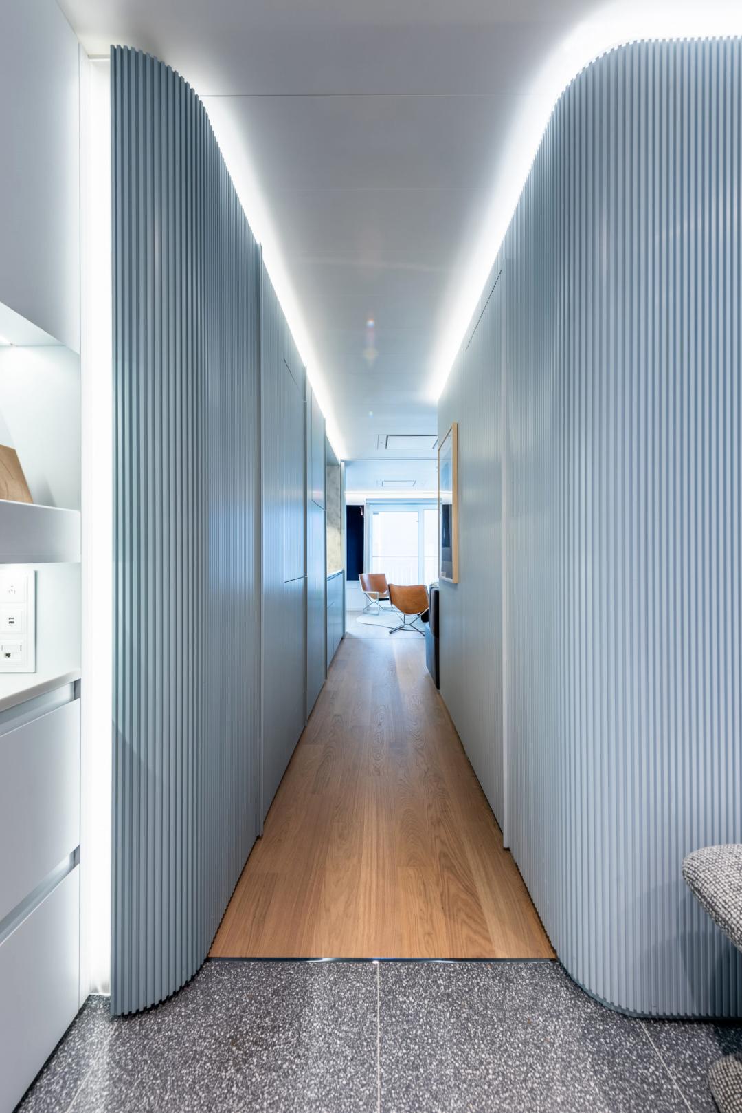 挑战空间极限,55平2室格局还带更衣室,将每1㎡榨的干干净净